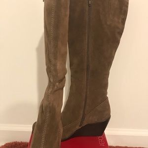 Aerosoles brown suede wedge boots